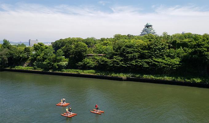 大阪城と水上バイク